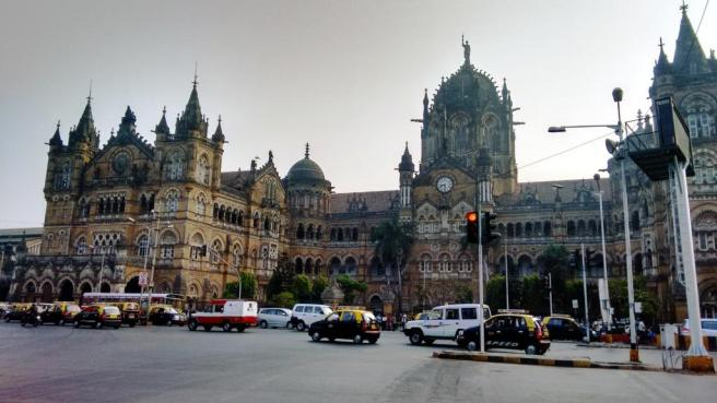 CST as morning traffic chimes in