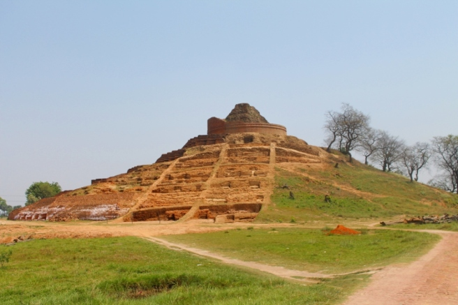 6. The stupa of Kesariya might be in crumbles but it is still a magnificent piece of architecture